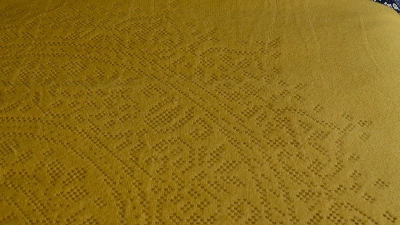 Soft Lace Pattern Throws
