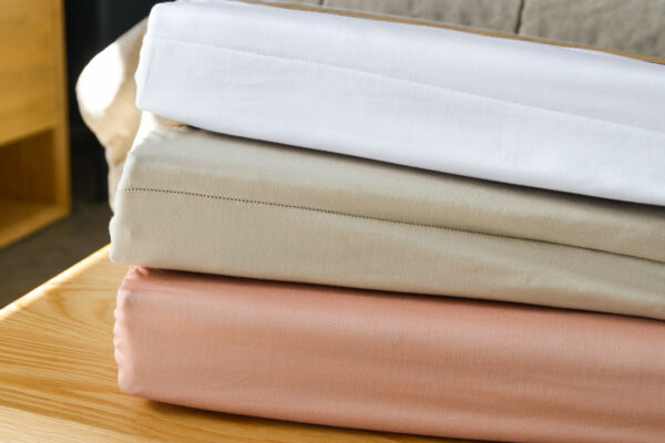 natural organic cotton bedding 300 thread count comes in a choice of 3 colours