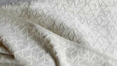 stars-throw-silver-grey-&-ivory