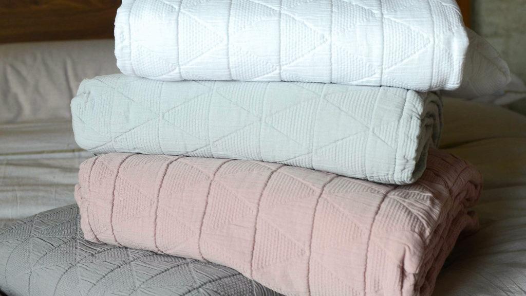 stockholm-bedspreads-4-colours