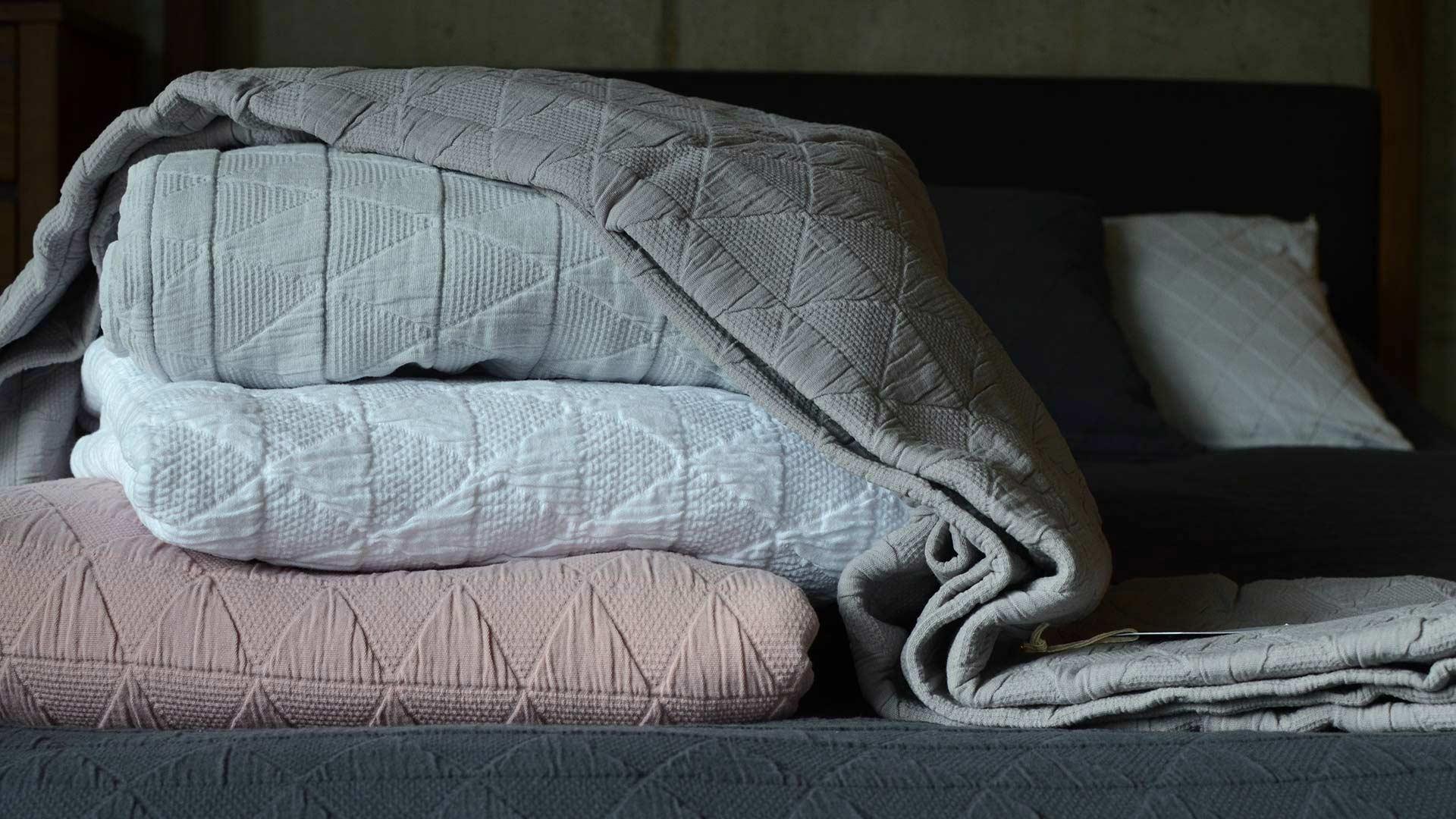 stockholm-bedspreads-5-colours