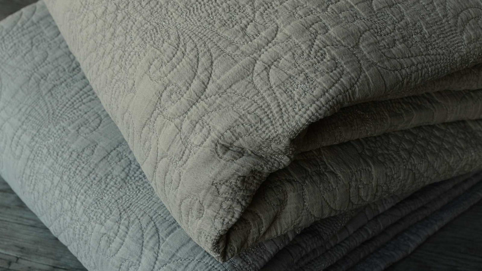 stonewash-quilts-clay-&-grey