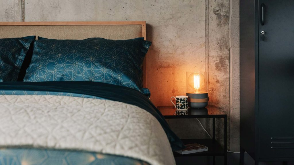 Strap bedside light