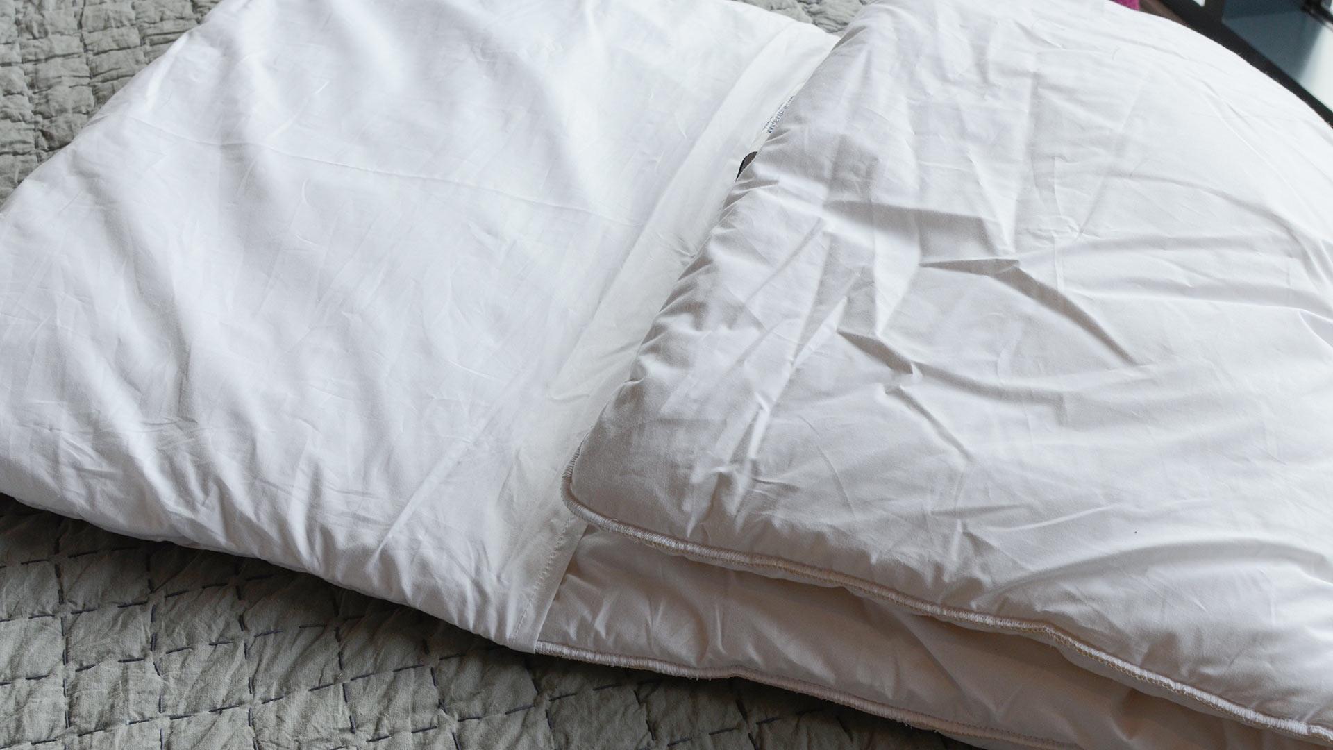 tri-fold-pillow-open