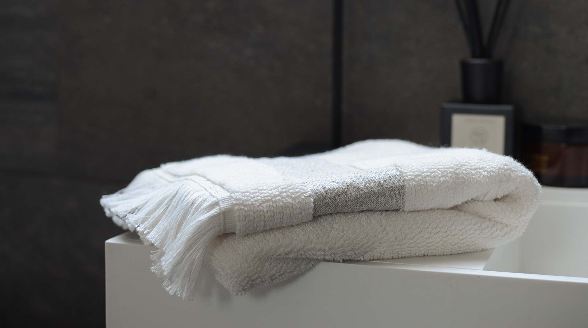 ultra-soft-fringed-towel