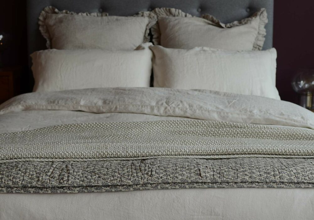 vintage wash-linen-limestone-bedding-with-cushions