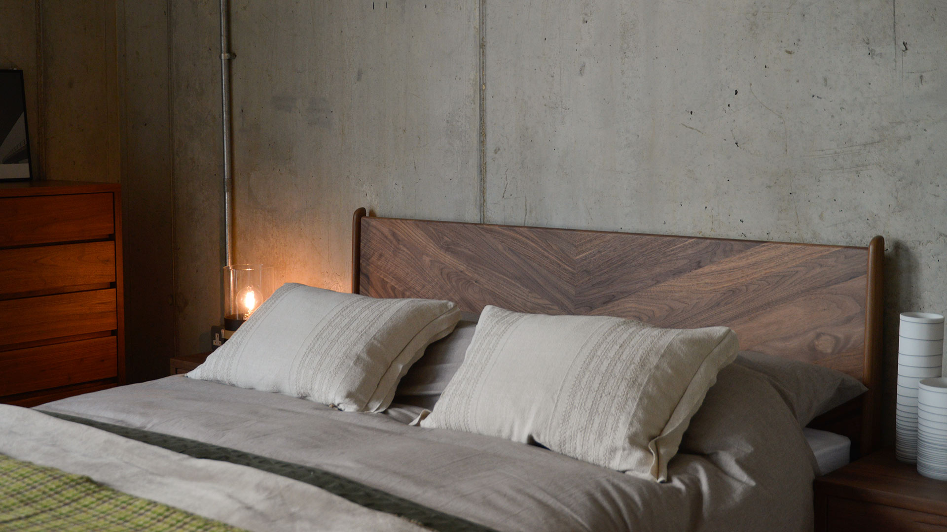 A view of the Walnut Hoxton bed chevron headboard design.