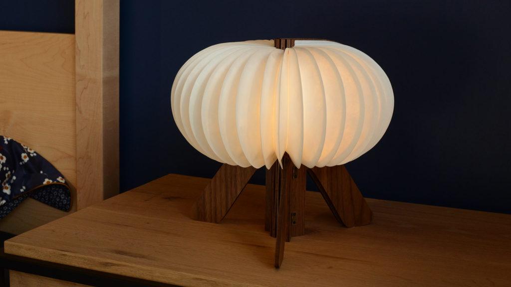 walnut-lamp-R-design-warm-light