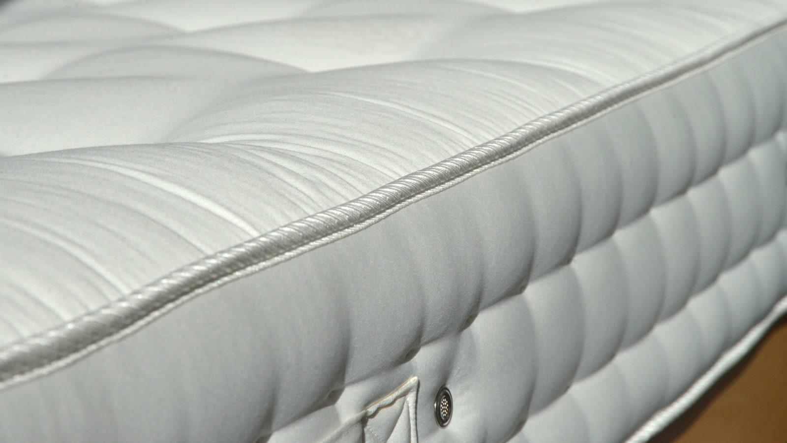 weldbank-cotton-mattress-1400-springs-side