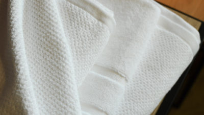 white-cotton-towels-&-bath-mats
