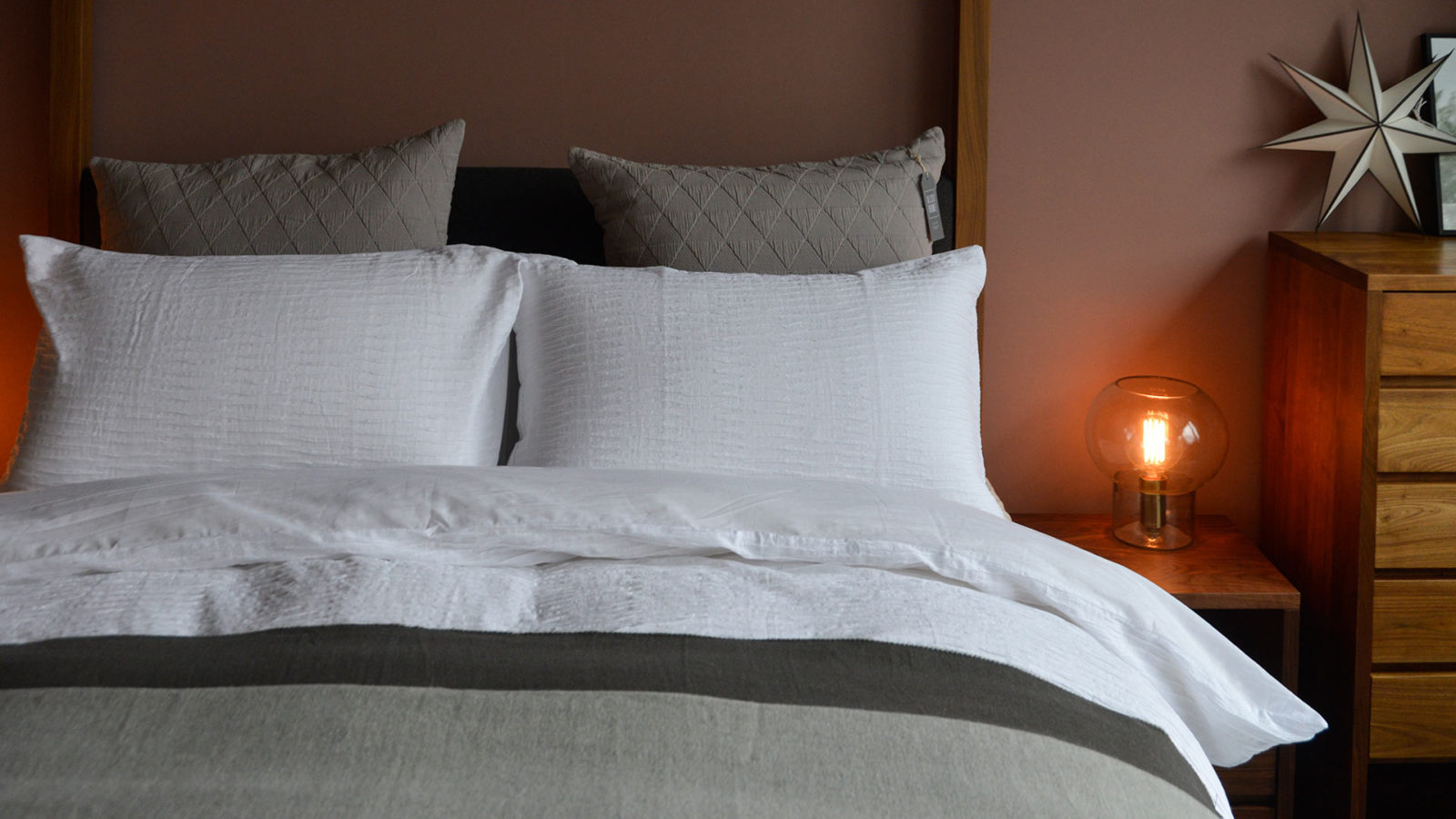white-textured-bedding-with-grey-accessories