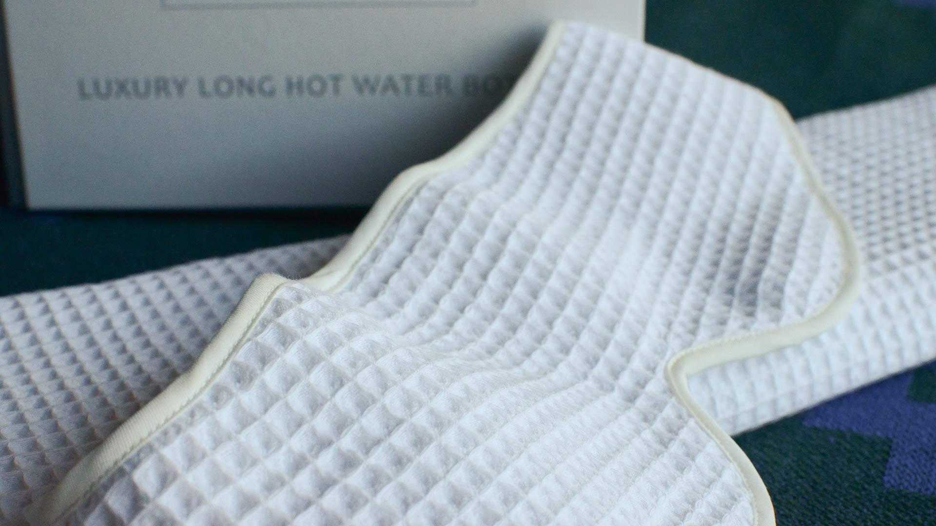 white-waffle-yuyu-hotwater-bottle-&-eye-mask