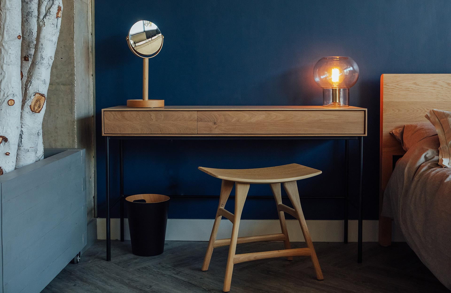 whitebird-desk