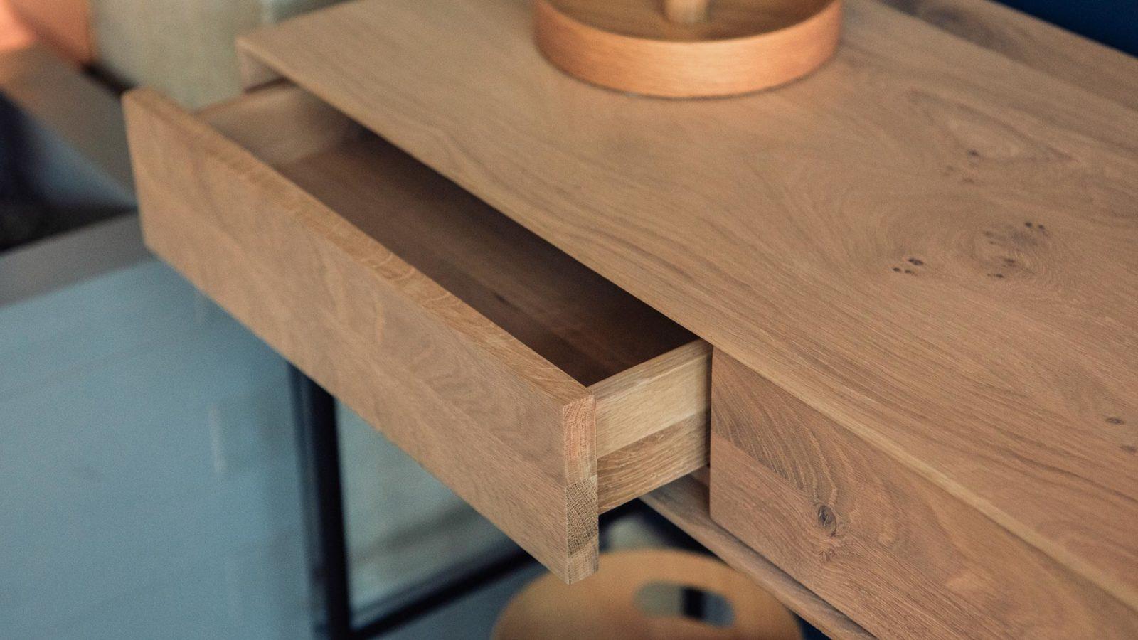 whitebird-desk